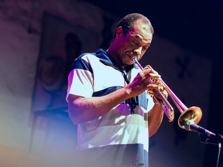 Femi Kuti playing trumpet